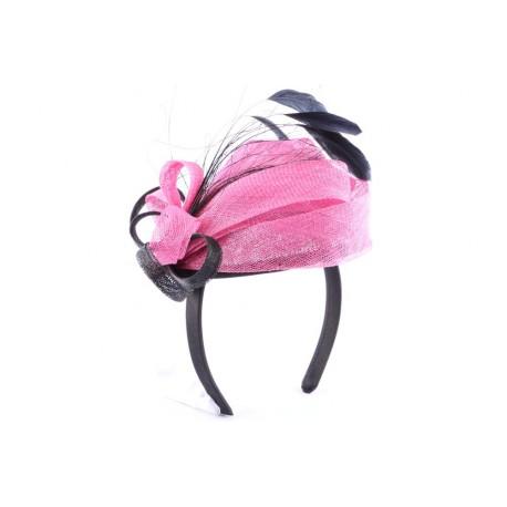 Coiffe de cérémonie Shae montée sur serre tête noir et rose