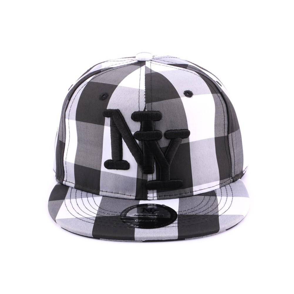 Snapback ny noire et blanche casquette streetwear for Vans a carreaux noir et blanc
