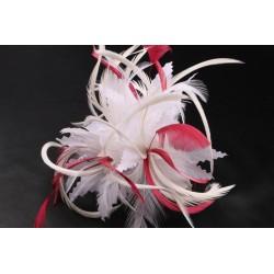 Coiffe mariée Cléa en plume écru et rouge Chapeau mariée Nyls Création