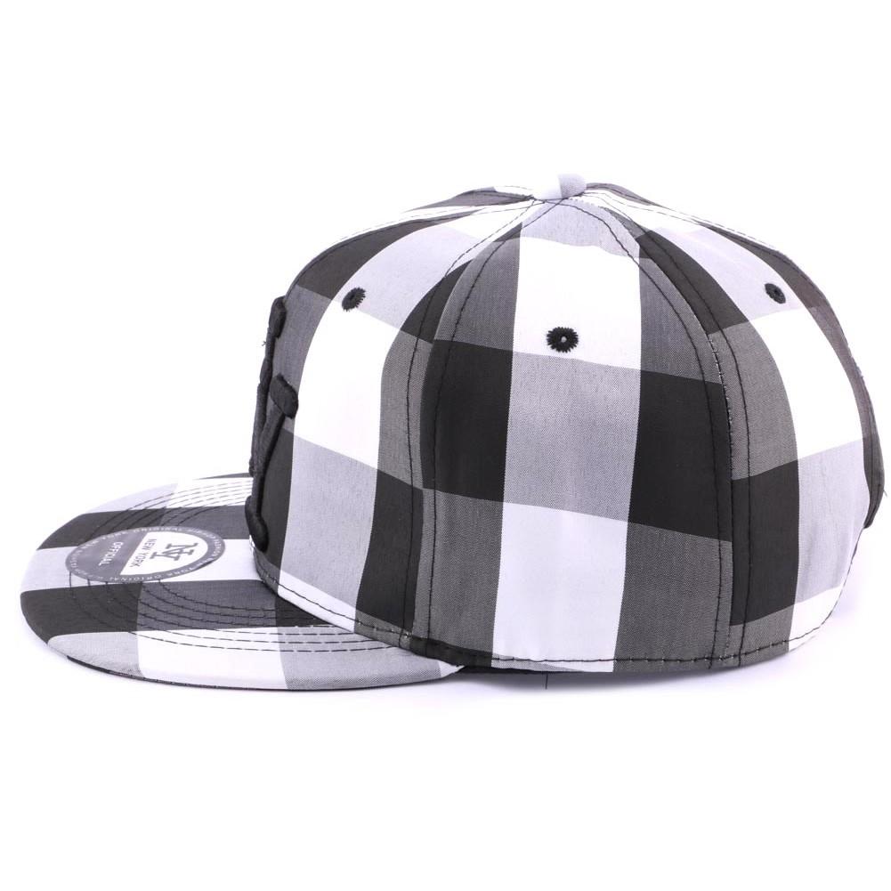 snapback ny noire et blanche casquette streetwear carreaux sur. Black Bedroom Furniture Sets. Home Design Ideas
